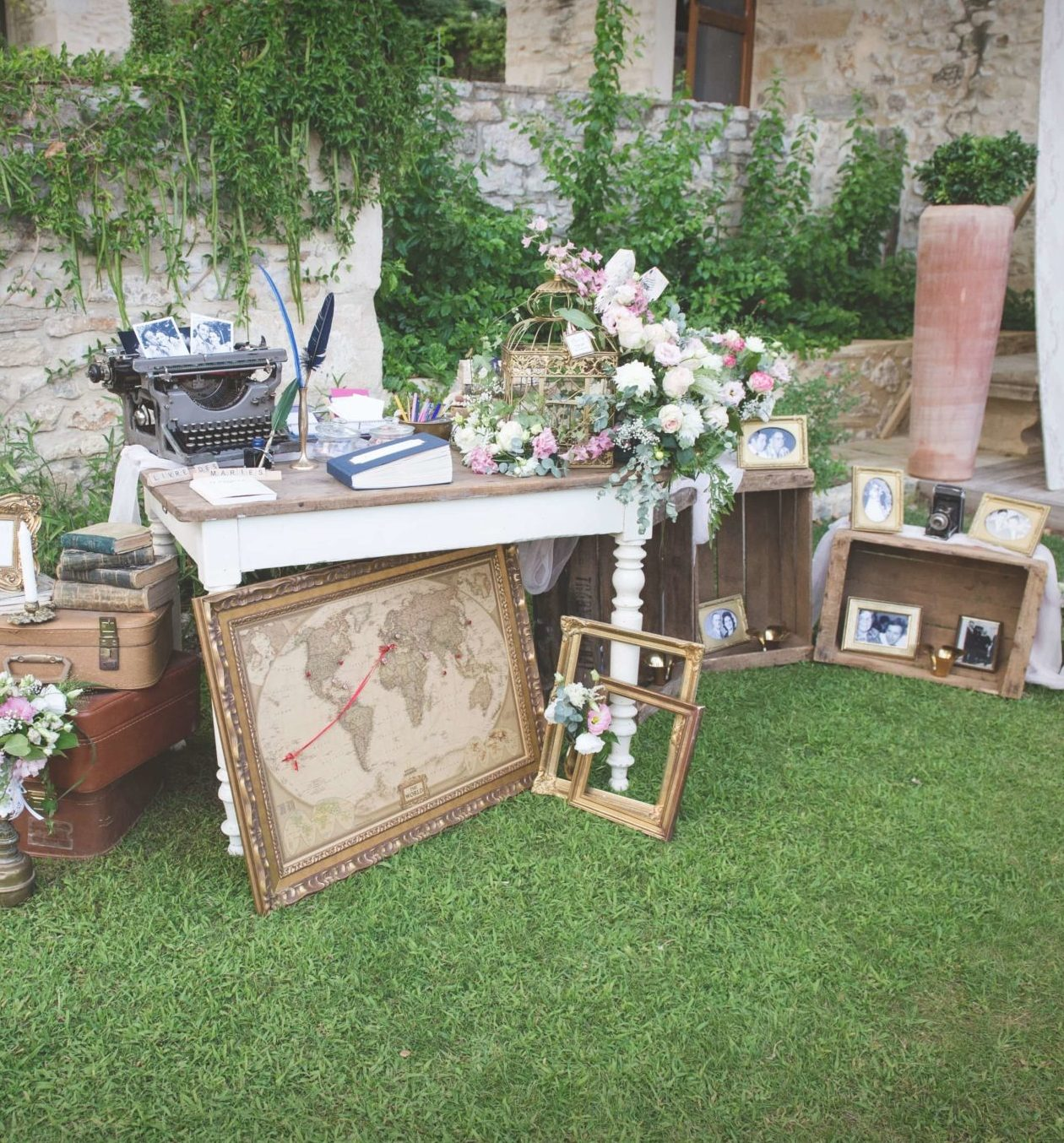 WEDDING DESIGNER AUDE NARBONNE table urne décoration vintage WEDDING PLANNER MONTPELLIER